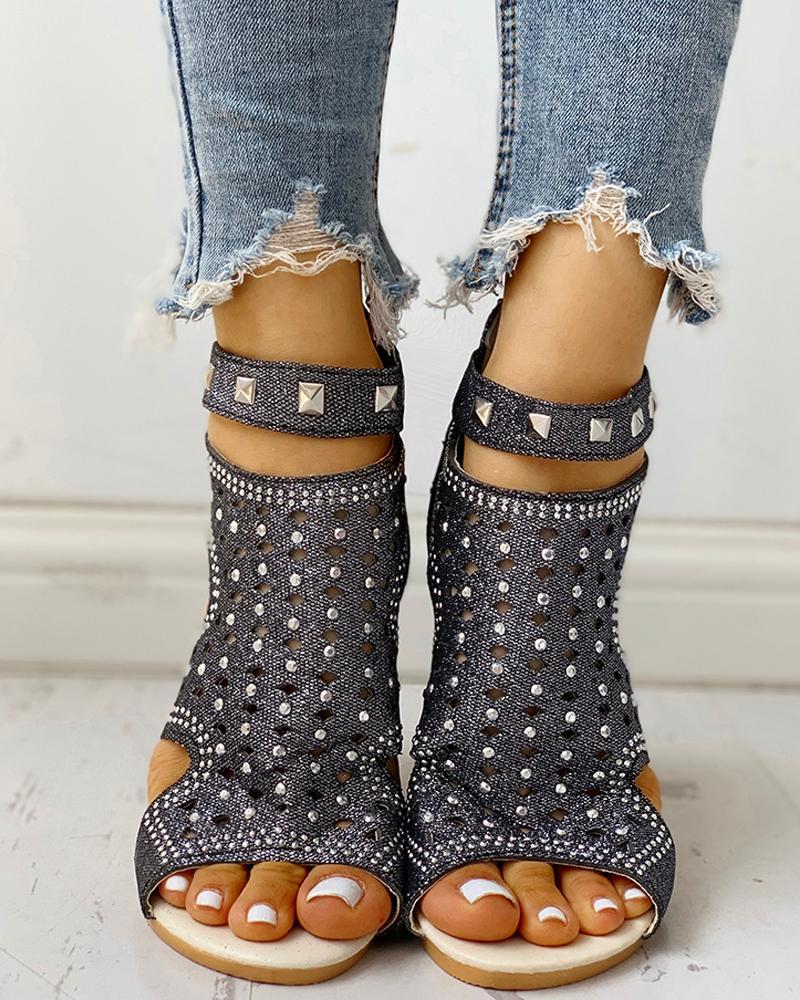 Rivet Detail Cutout Flat Sandals фото