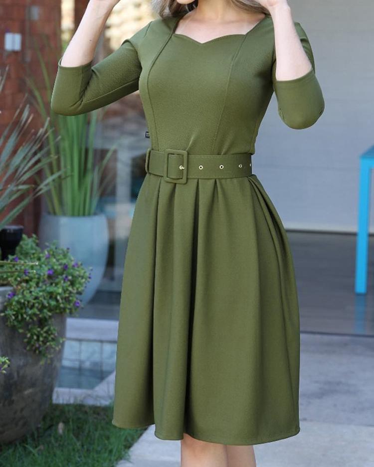 ivrose / Vestido ocasional plisado sólido con cinturón