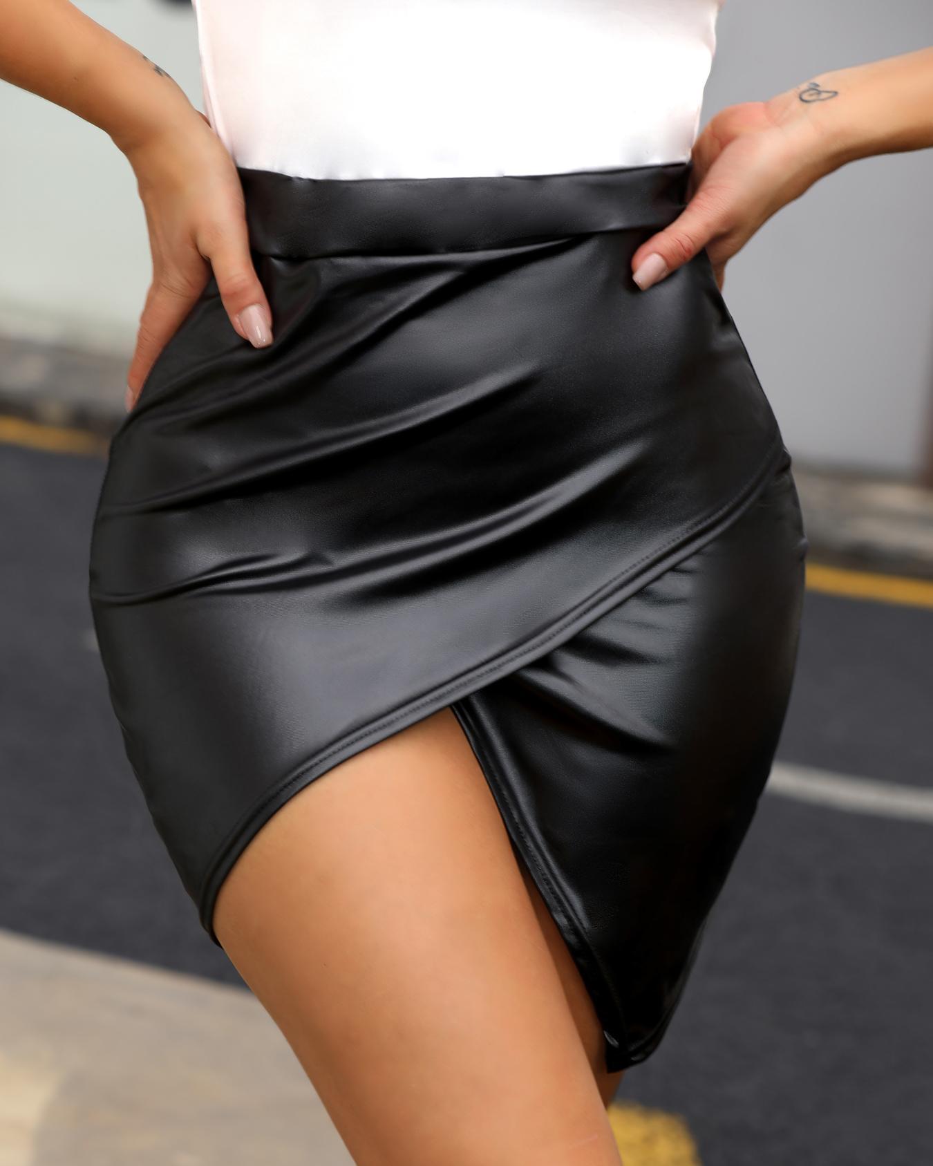 chicme / Falda de PU con sobrepelliz de cintura alta