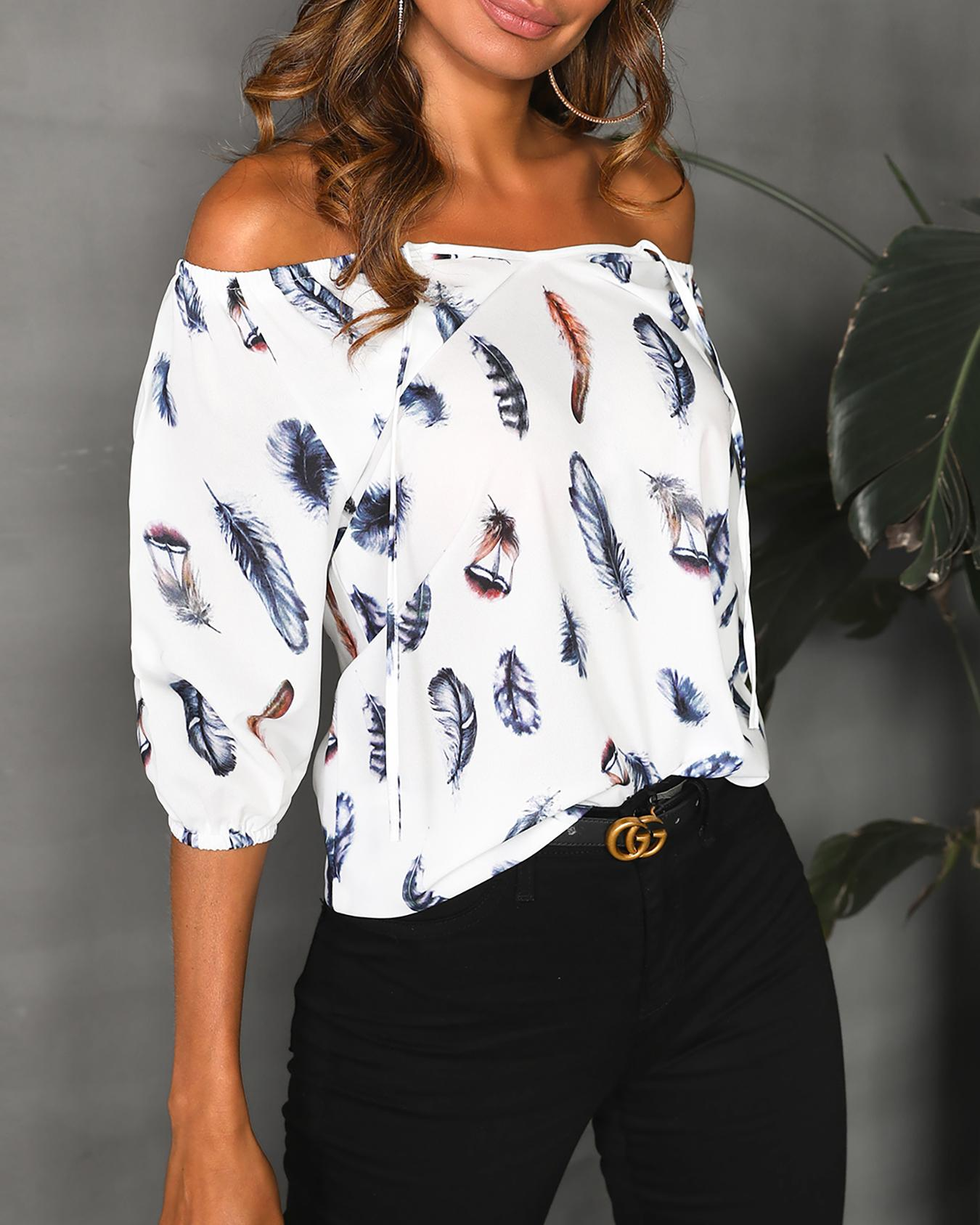 Off Shoulder Feather Print Blouse фото