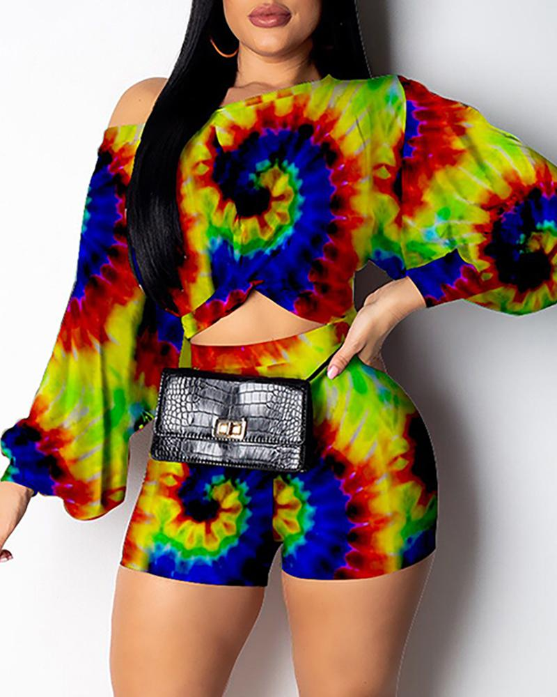 Tie Dye Print Puffed Sleeve Top & Shorts Set фото