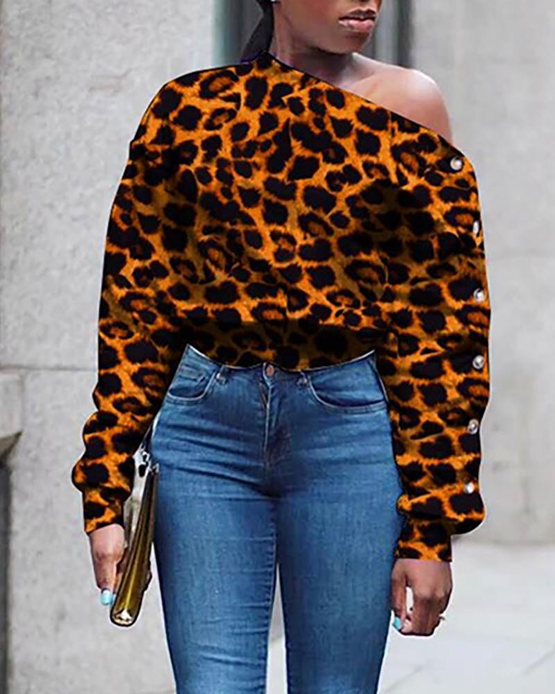 ivrose / Blusa abotonada con estampado de leopardo y cuello torcido