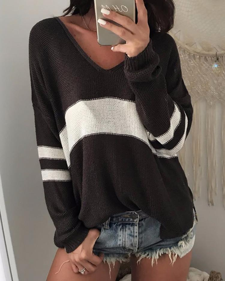joyshoetique / Contrast Stripes Deep V Loose Sweater