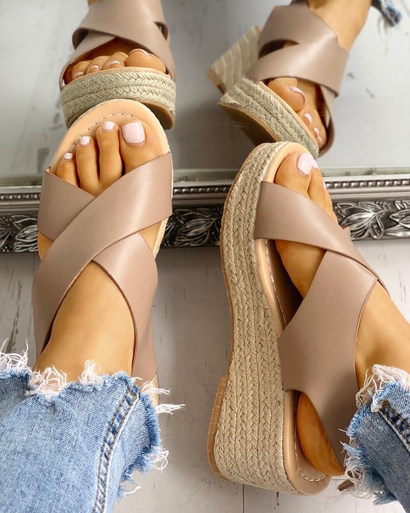 boutiquefeel / Sandálias de Cunha em Espinha