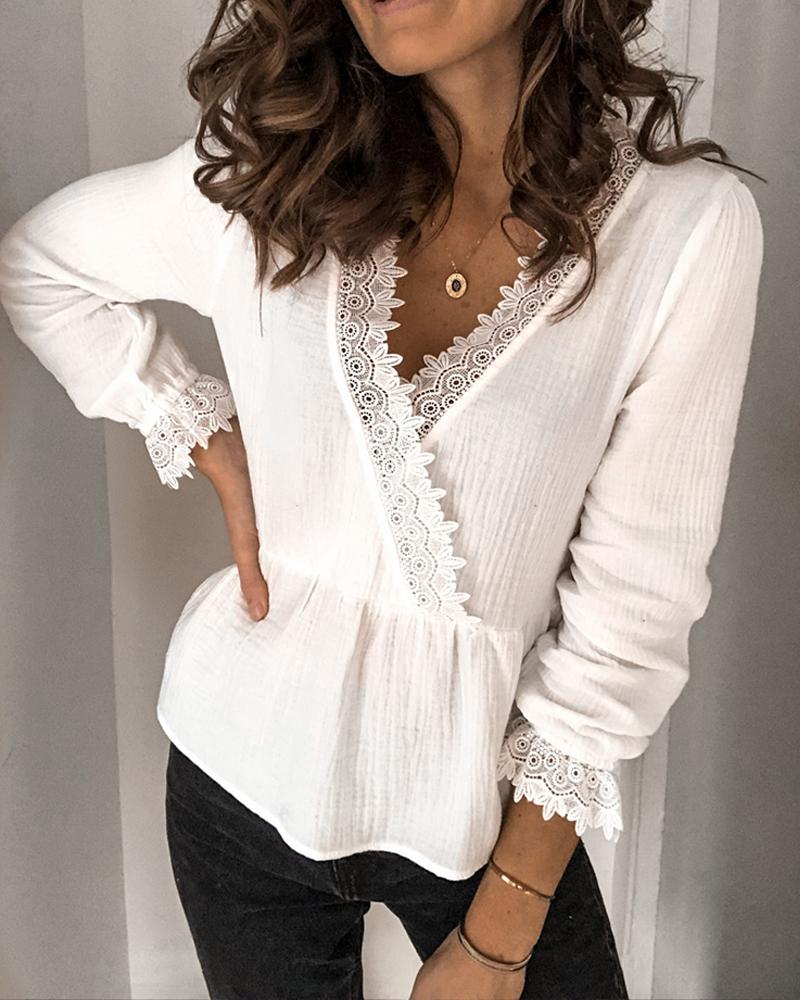 chicme / V Neck Lace Trim Surplice Top