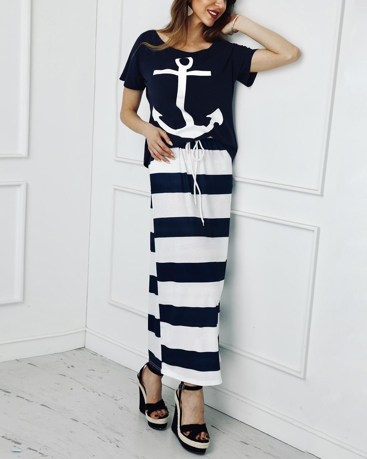 chicme / Conjunto de camiseta con estampado de ancla de barco y falda a rayas