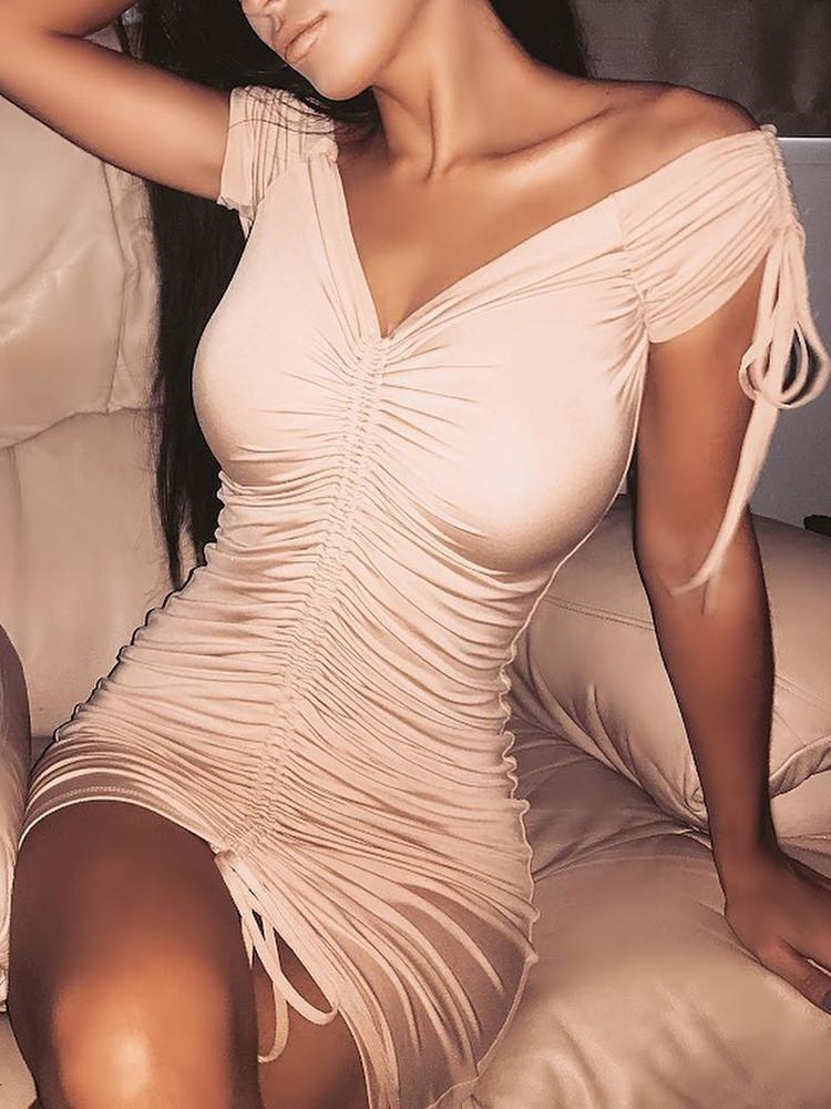 boutiquefeel / Off Shoulder Shirred Drawstring Solid Mini Dress