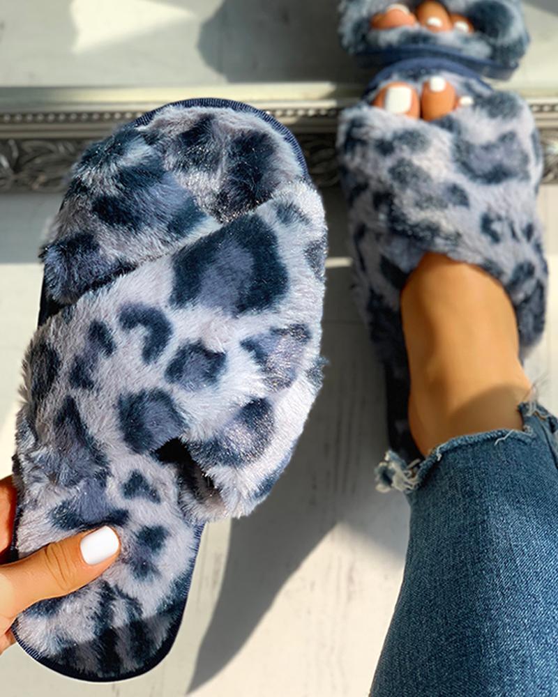 chicme / Pantuflas planas cruzadas de leopardo esponjoso