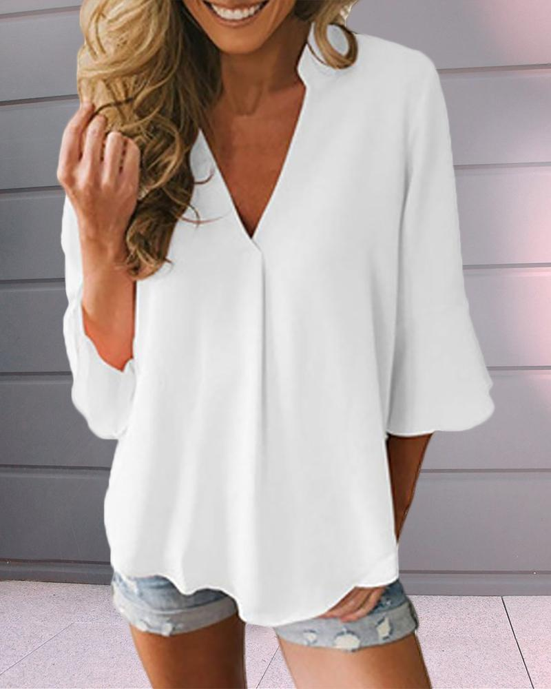 V-neck Bell Sleeve Solid Casual T-shirt фото