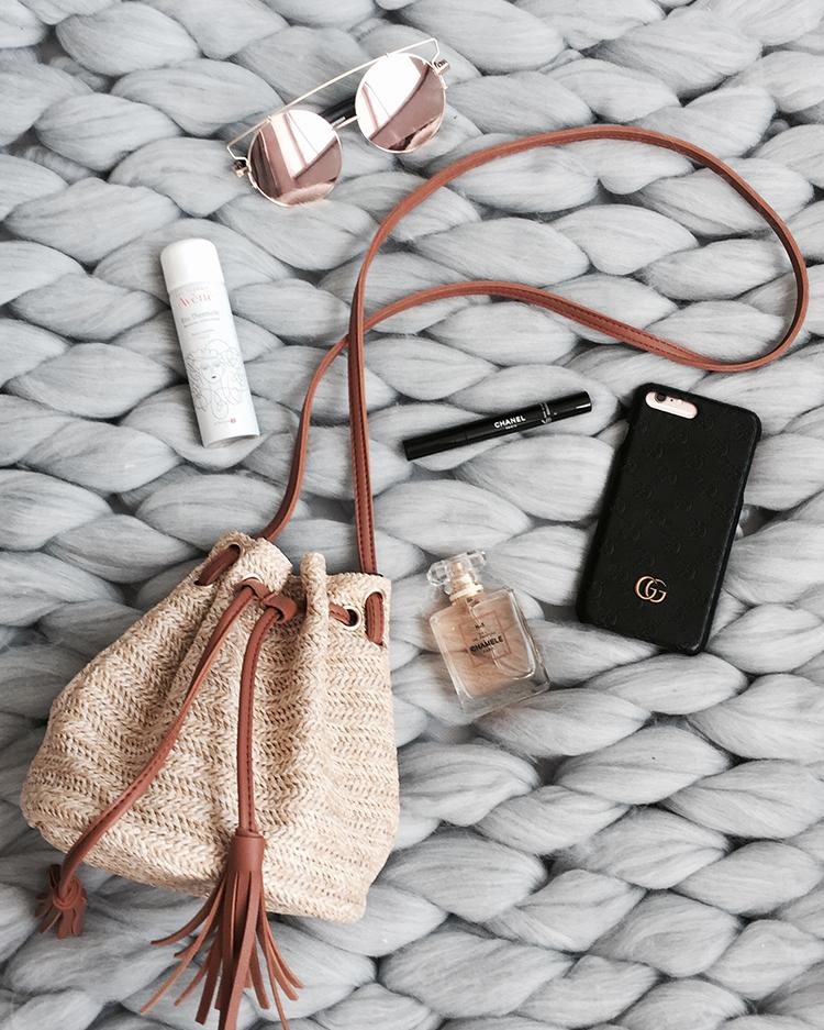 Straw Tassels Embellished Single Shoulder Bucket Bag