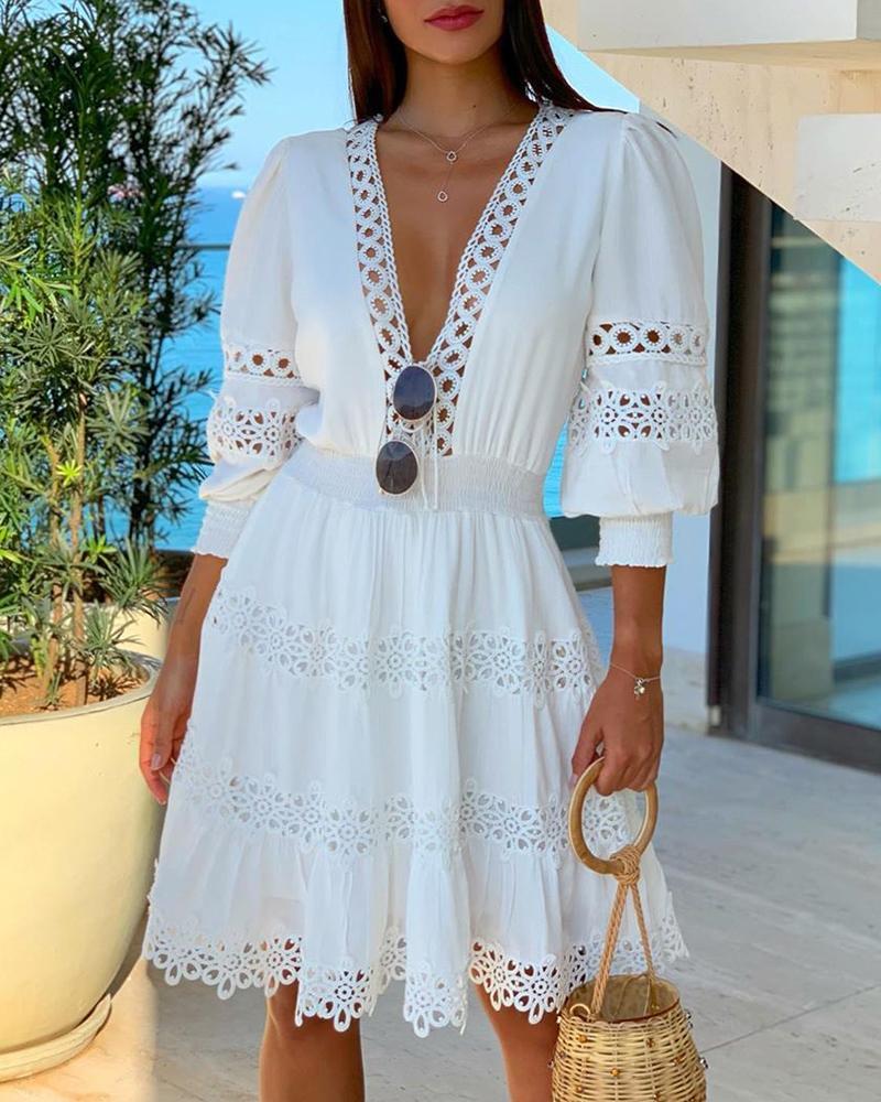 boutiquefeel / V profundo branco pescoço decote guarnição mini vestido