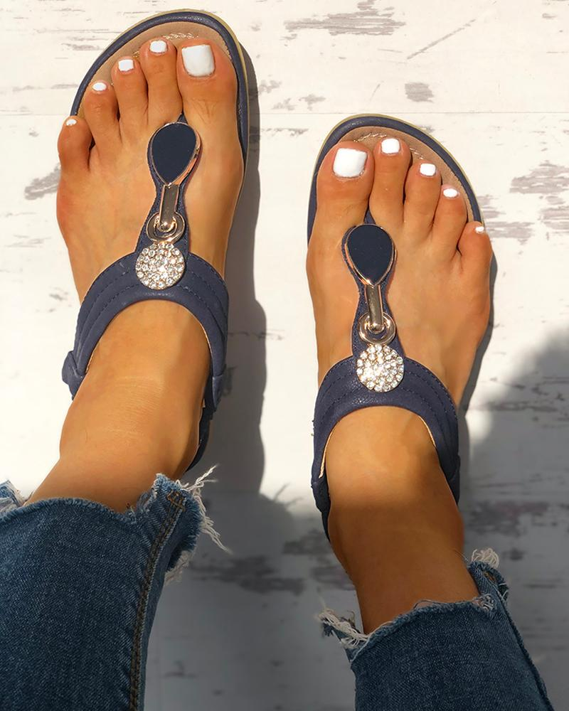 chicme / Studded Toe Post Flat Sandals