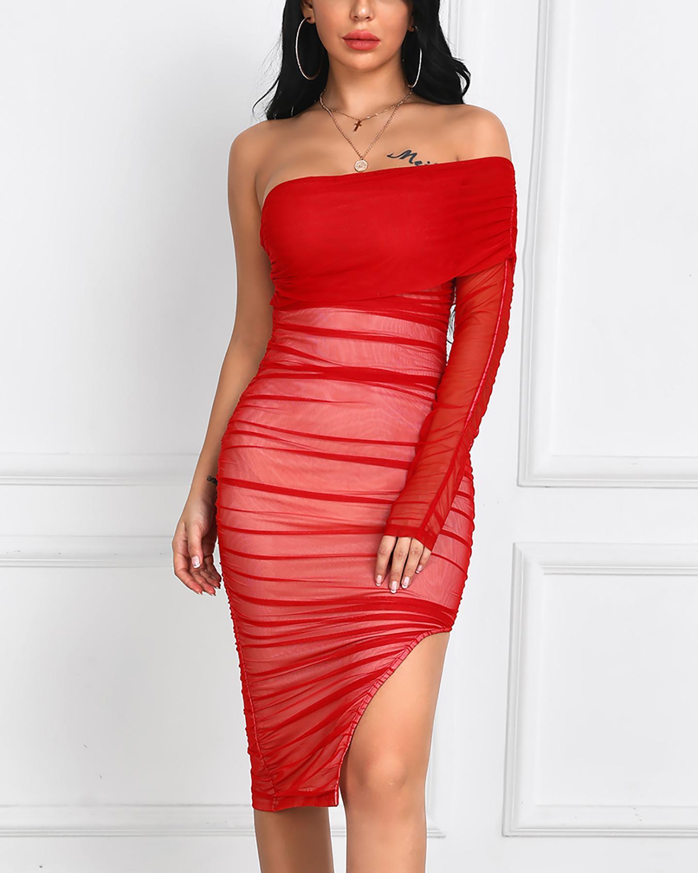 boutiquefeel / Fora do ombro vestido de tubo plissado