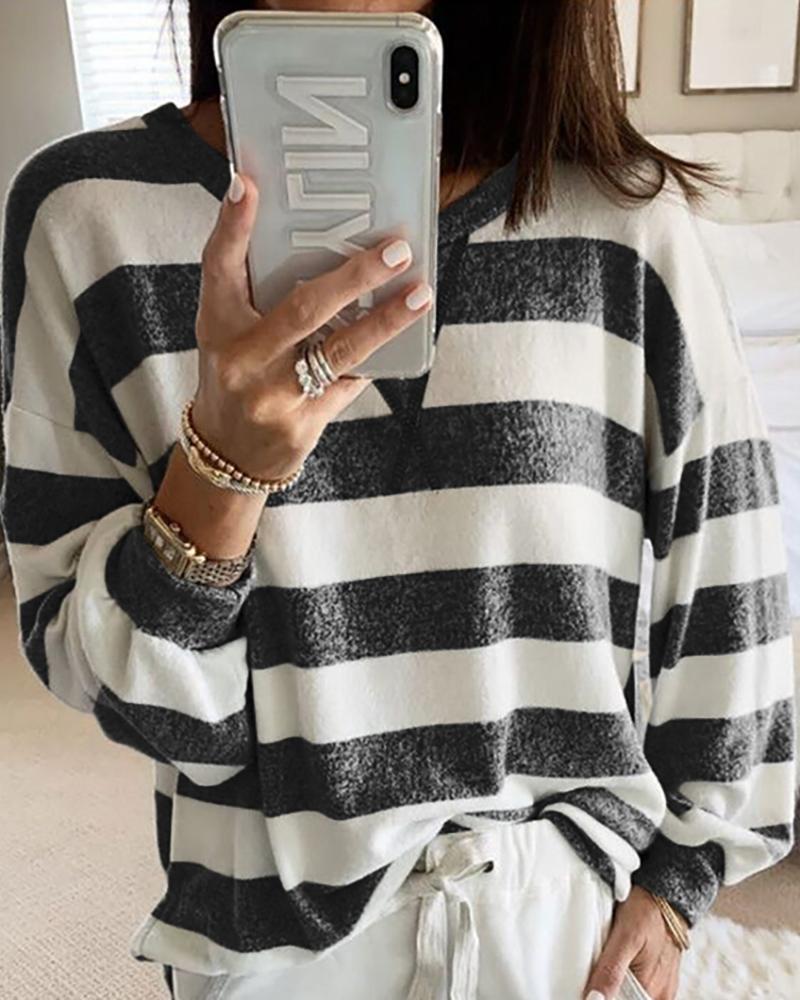 chicme / T-shirt de manga comprida com decote redondo e listrado