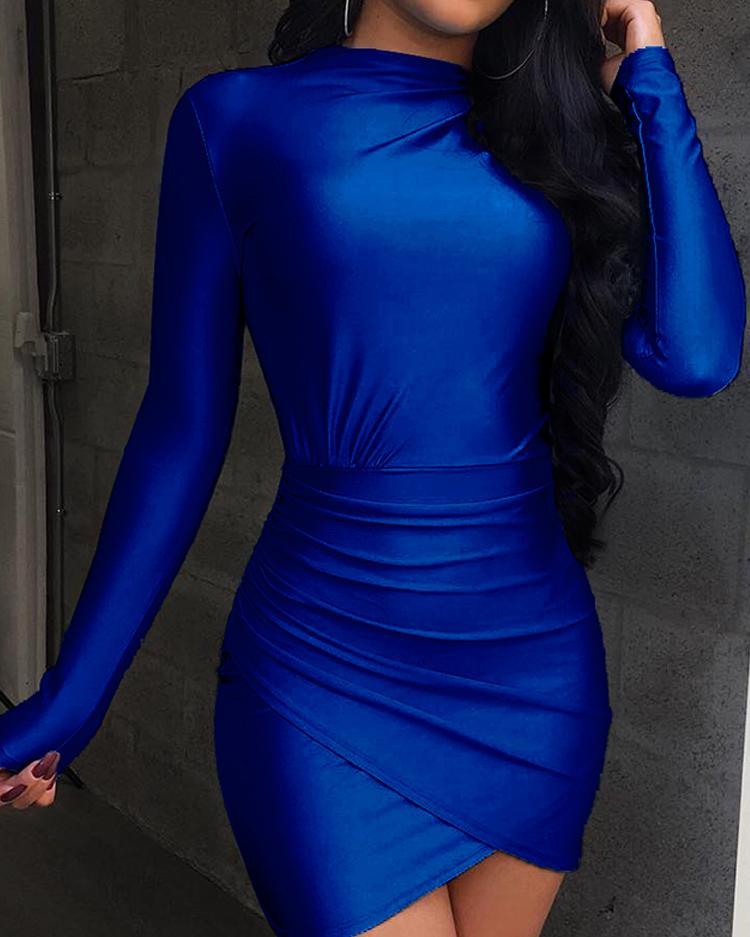 Long Sleeve Ruched Overlap Hem Dress фото